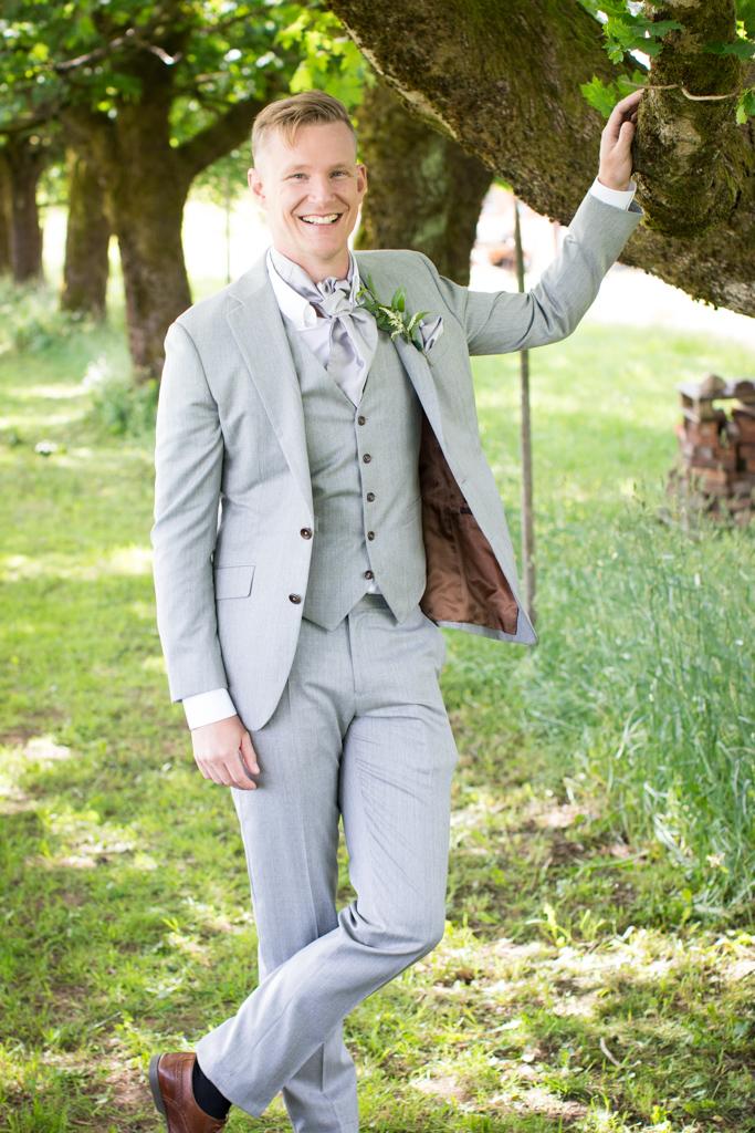 Grön Fotografering - Bröllopsporträtt brudgum | photobymj.se