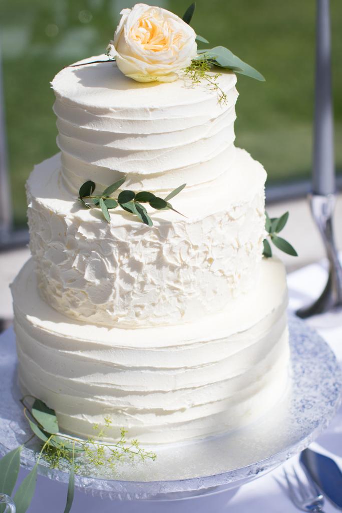 Grön Fotografering - Bröllopstårtan är en viktig detalj i bröllopet | photobymj.se