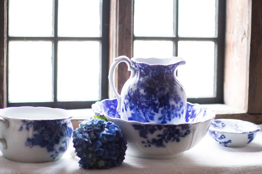 Torpa Stenhus - Vackert porslin i blåvitt | photobymj.se