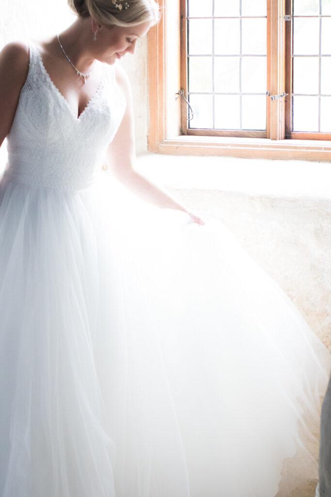 Torpa Stenhus - Brudklänningen i vackert ljus | photobymj.se