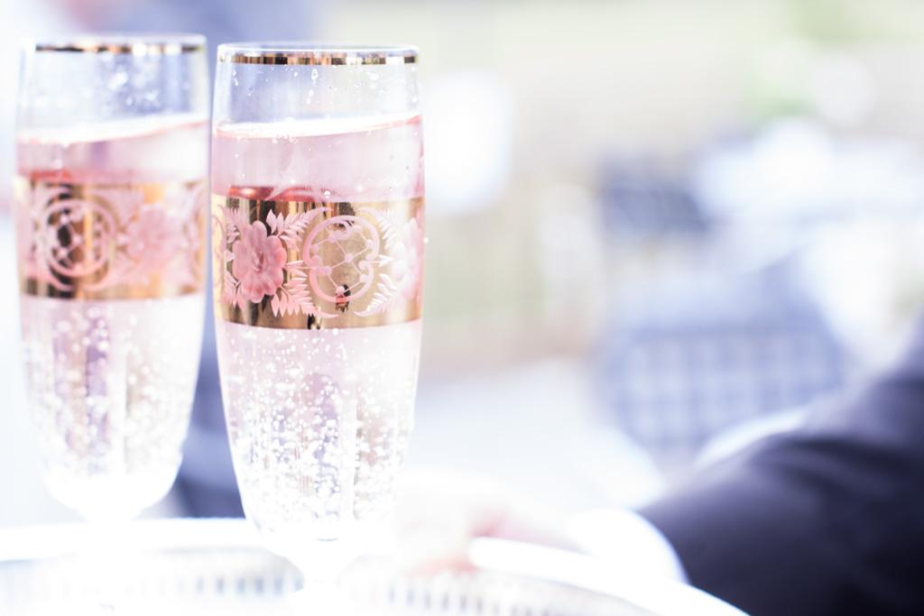 En bröllopsfotografering i Smålands djupa skogar!- Brudskålen!   www.photobymj.se
