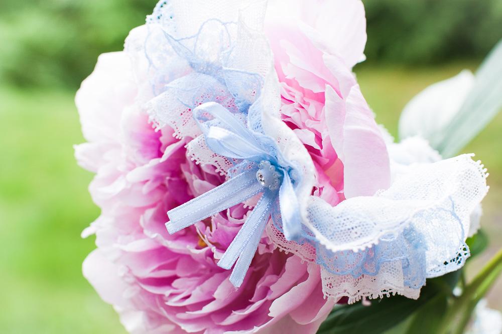 Sneak peek weddings - någonting blått till bröllopet | photobymj.se