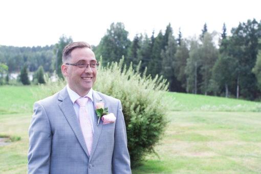En bröllopsfotografering i Smålands djupa skogar!- Första blicken!   www.photobymj.se