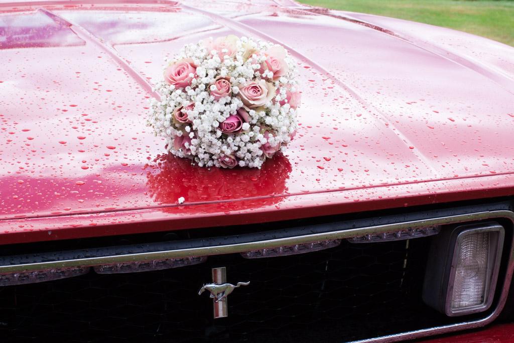 En bröllopsfotografering i Smålands djupa skogar!- Transport på bröllopsdagen!   www.photobymj.se