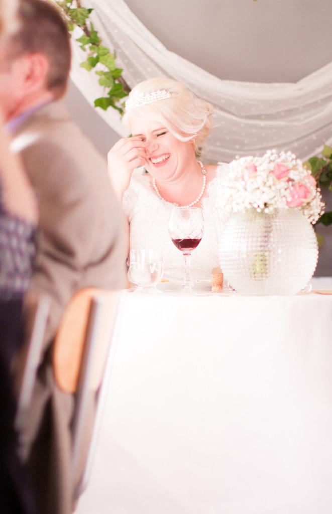 En bröllopsfotografering i Smålands djupa skogar!- Roliga tal vid middagen!   www.photobymj.se