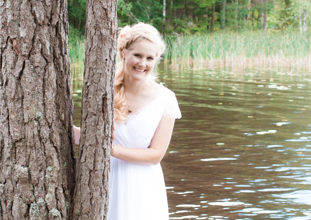 Jag har fotat en Älva och en Rockstjärna i skogen!- Porträtt bruden i skogen!   photobymj.se