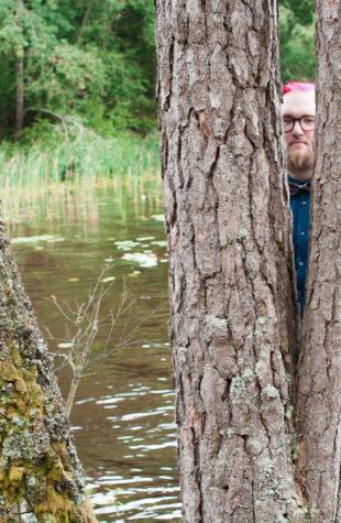 Jag har fotat en Älva och en Rockstjärna i skogen!- Porträtt brudgummen i skogen!   photobymj.se