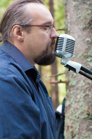 Jag har fotat en Älva och en Rockstjärna i skogen!- Vigselmusikerna spelar personliga låtar! | photobymj.se