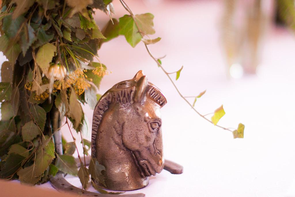 Jag har fotat en Älva och en Rockstjärna i skogen!- Personliga dekorationer vid bröllopsmiddagen!   photobymj.se
