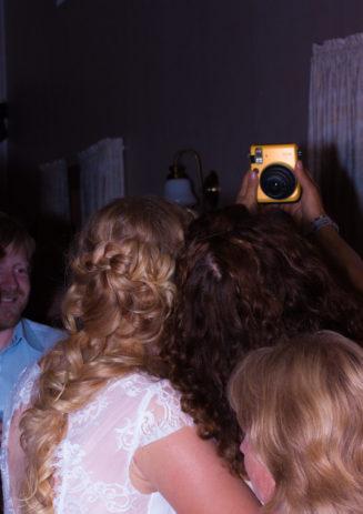 Jag har fotat en Älva och en Rockstjärna i skogen!- Selfies från bröllopsfesten!   photobymj.se