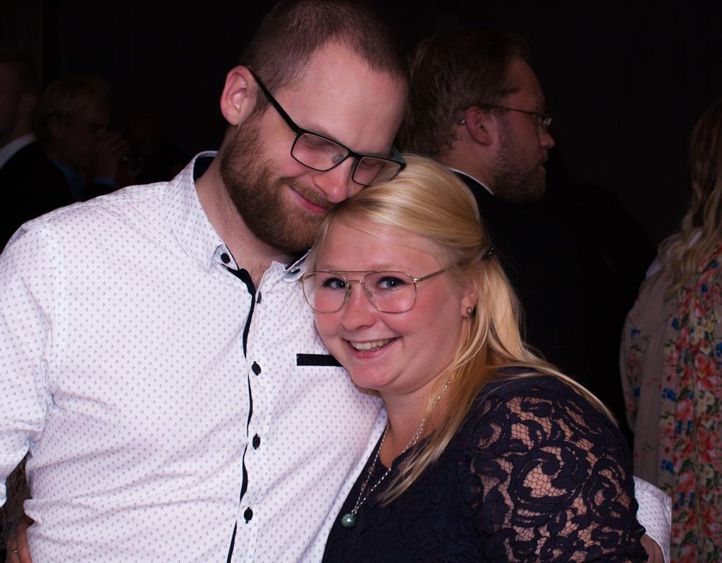 Jag har fotat en Älva och en Rockstjärna i skogen!- Gästmingel under bröllopsfesten! | photobymj.se