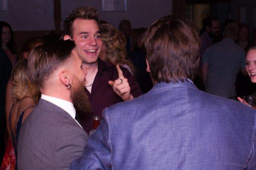Jag har fotat en Älva och en Rockstjärna i skogen!- En bröllopsfest att minnas! | photobymj.se