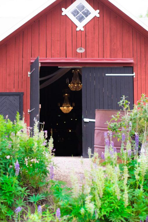 Kompisbilder - BFF's forever and ever - Festlokal Uddetorp Säteri för ett äkta Barn wedding | photobymj.se