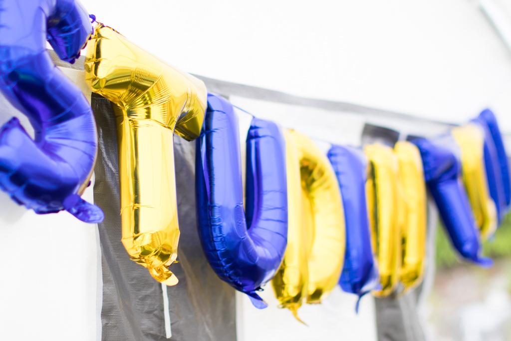 Student - Blågula bokstavsballonger till studenten | photobymj.se