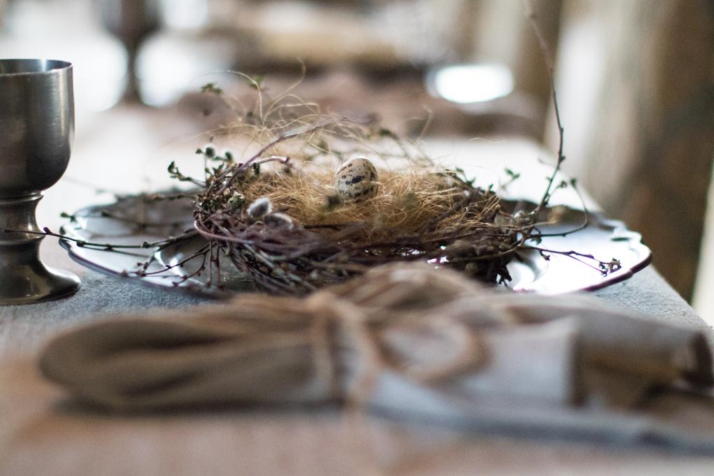 Torpa Stenhus - Inspiration för en vacker påskdukning | photobymj.se