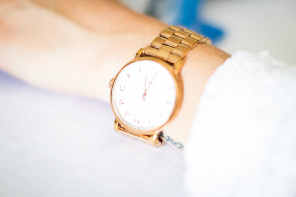 Produktfoto- Närbild på vacker klocka | photobymj.se