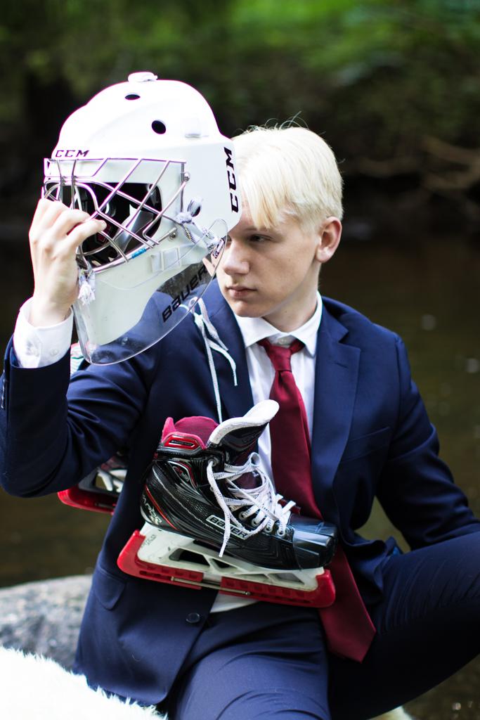 Ville - En hockeymålvakt mitt i Viskan | photobymj.se
