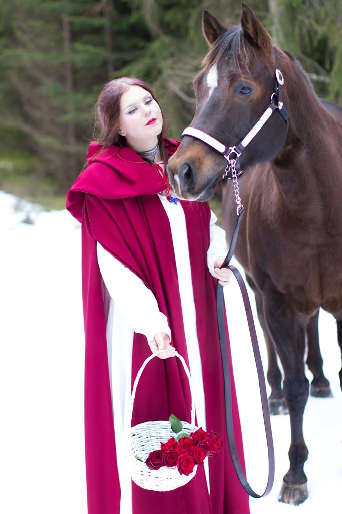 Rödluvan - Inspiration till stylade fotograferingar | photobymj.se